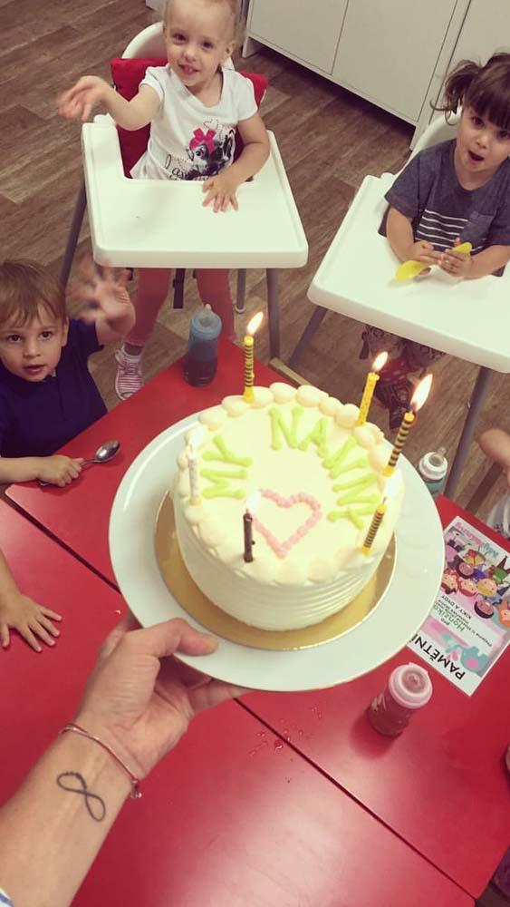 slavíme narozeniny v jesličkách